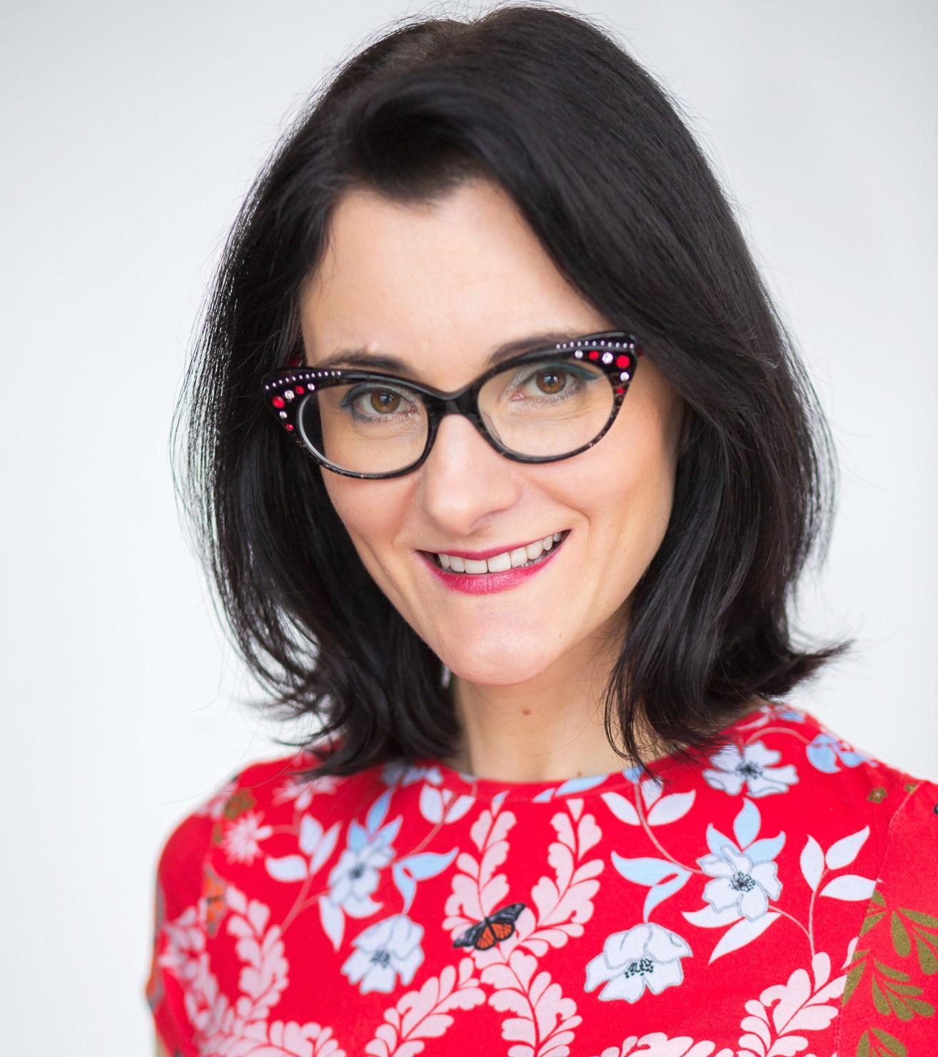 The Art of Eyewear Styling with Eva Davé
