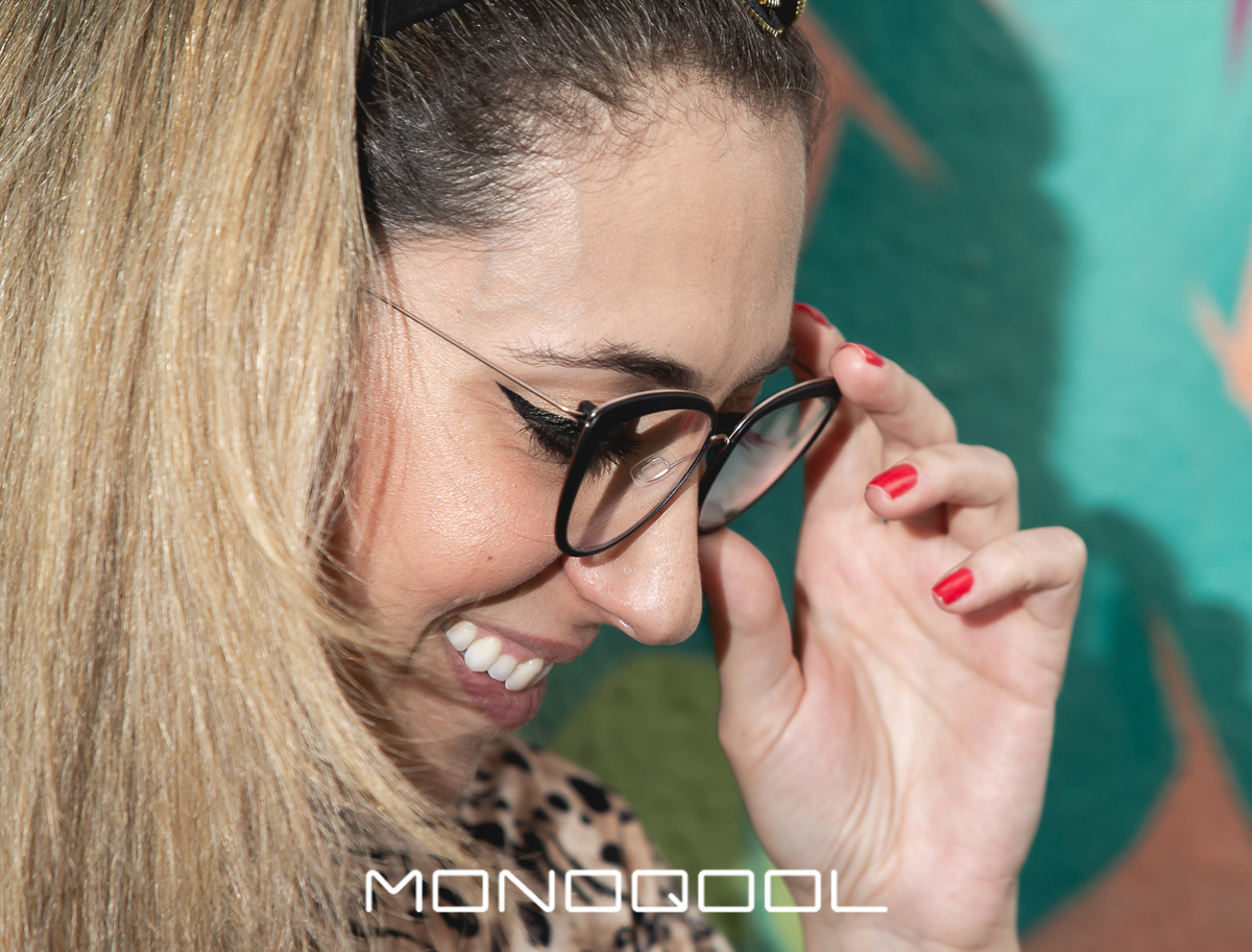 Monoqool // Rich Girl