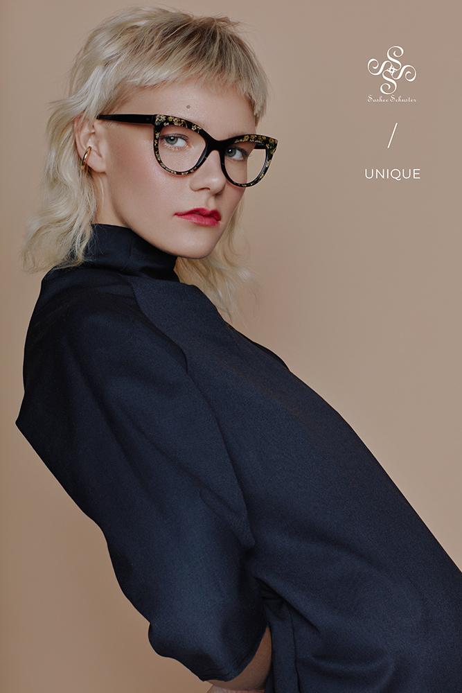 Sashee Schuster Eyewear Afra Unique 02 RGB Logo